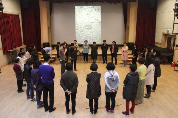 People gather for building a nature mandala at Suwon Media Center in South Korea (photo: Suwon Media Center)